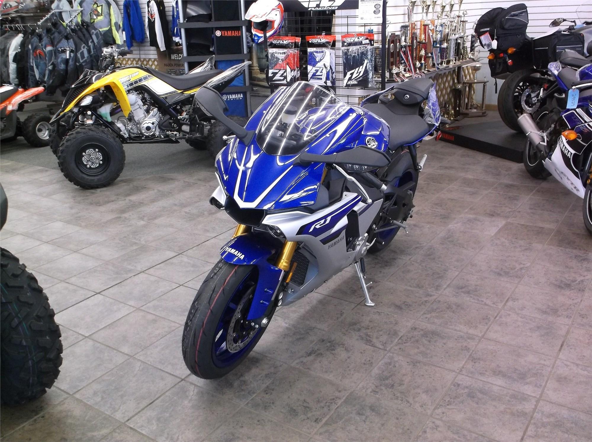 2016 Yamaha R-1